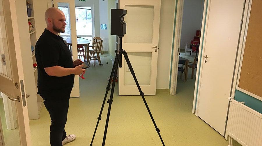 Emil Nielsen from BIMobject runs the Matterport scanner